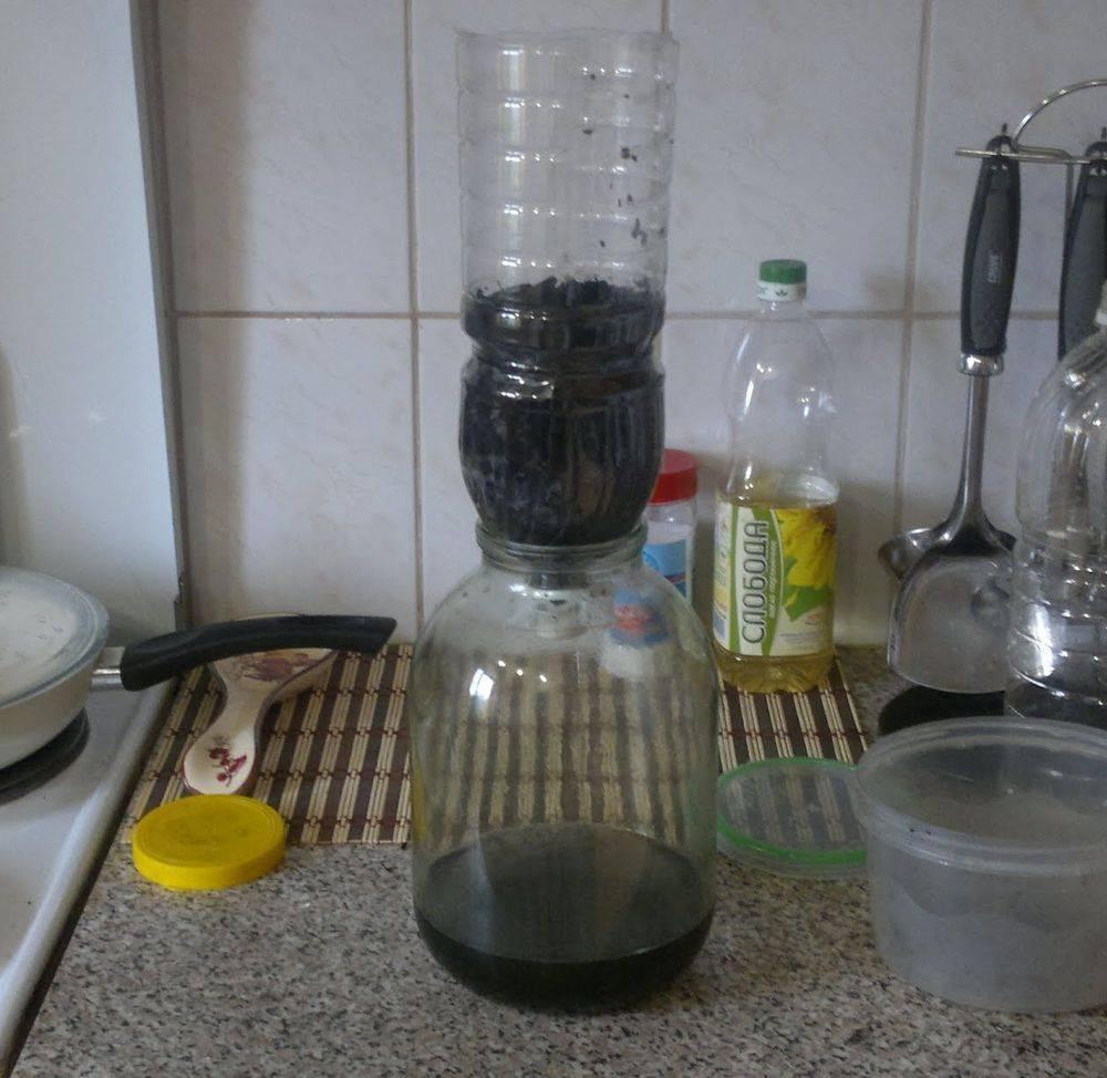 Как очистить от сивушных масел самогон и чачу: чем лучше убрать запах, удалить углем, молоком, марганцовкой, и эффективные способы, как избавиться быстро и правильно