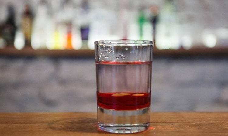 Коктейль боярский: классический рецепт. разновидности коктейля: синего цвета, с самбукой, с острым соусом, табаско, long, с соком. как пить коктейль?
