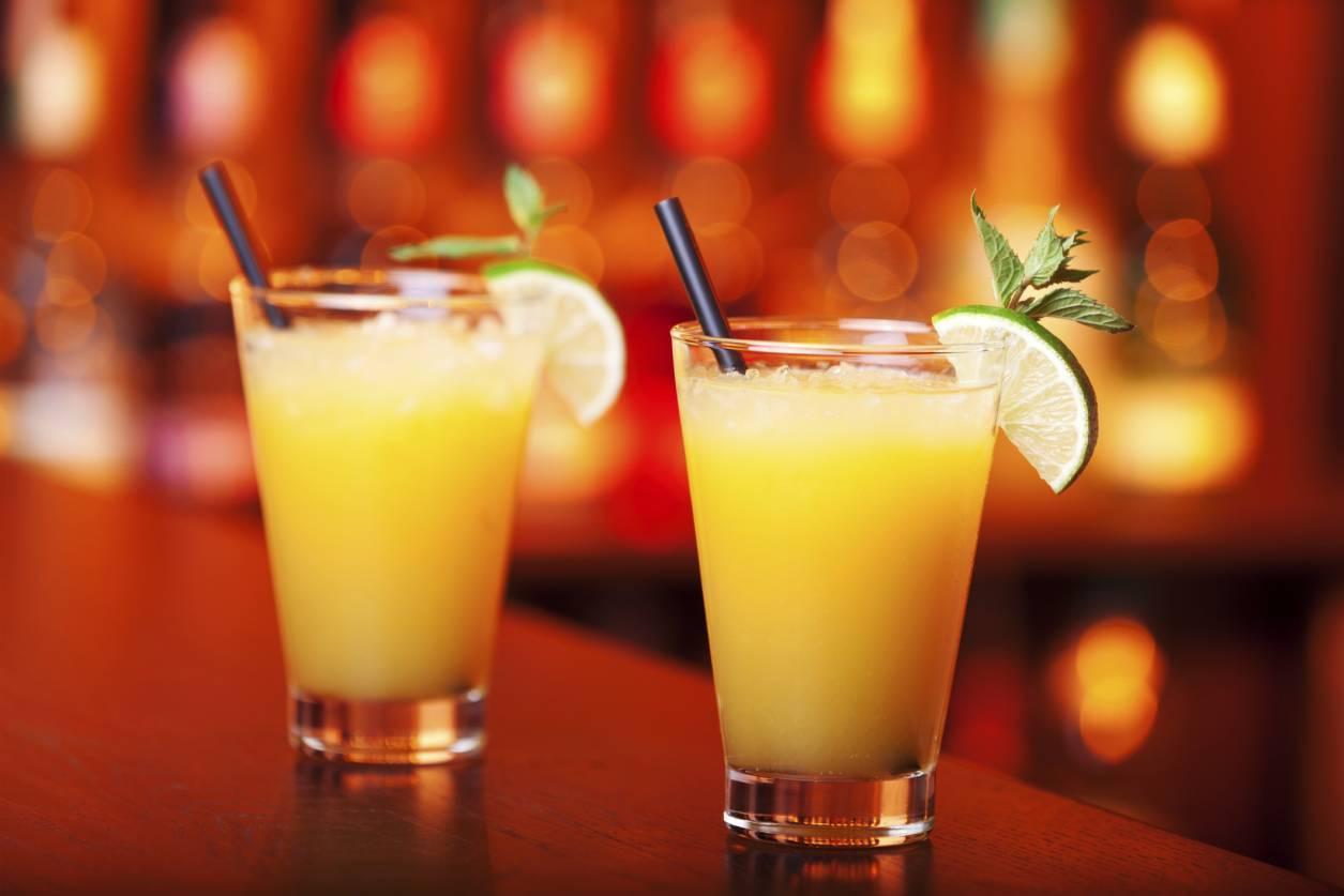 Смузи с апельсином - 11 быстрых рецептов для блендера