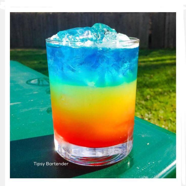 Алкогольный слоеный коктейль «радуга»