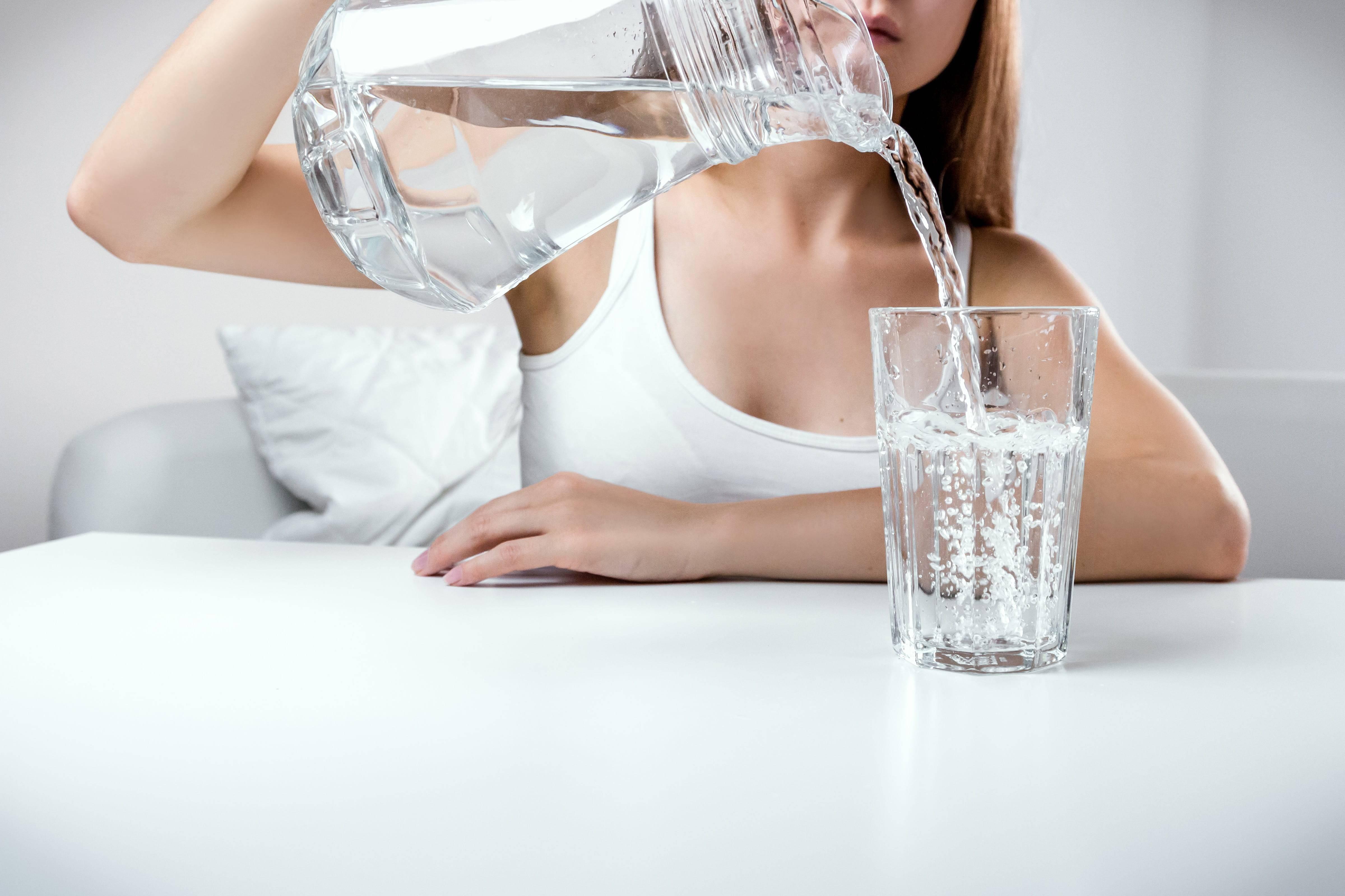 Как вывести лишнюю жидкость из организма быстро в домашних условиях? как избавиться от лишней жидкости в организме?