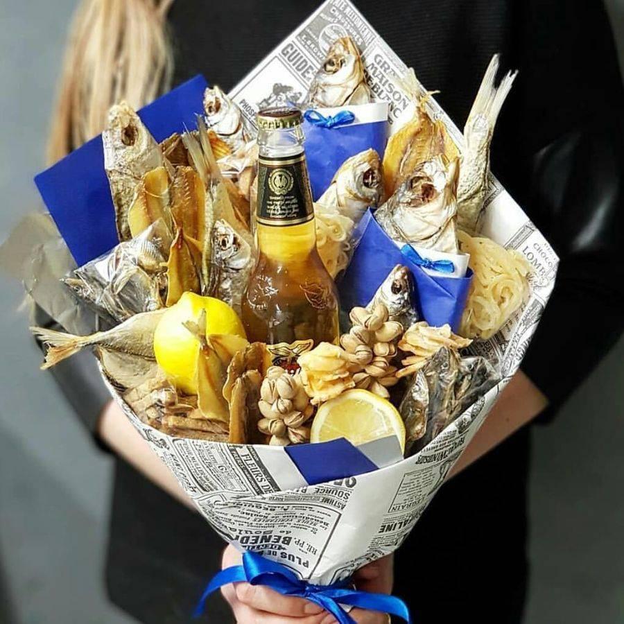 Пивной букет мужчине своими руками: как сделать мужской подарок с пивом, рыбой и другими закусками