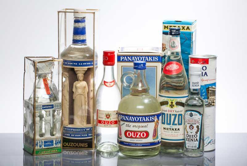 Какие алкогольные напитки попробовать в греции. греческая водка узо – особенности вкуса и рецепты коктейлей