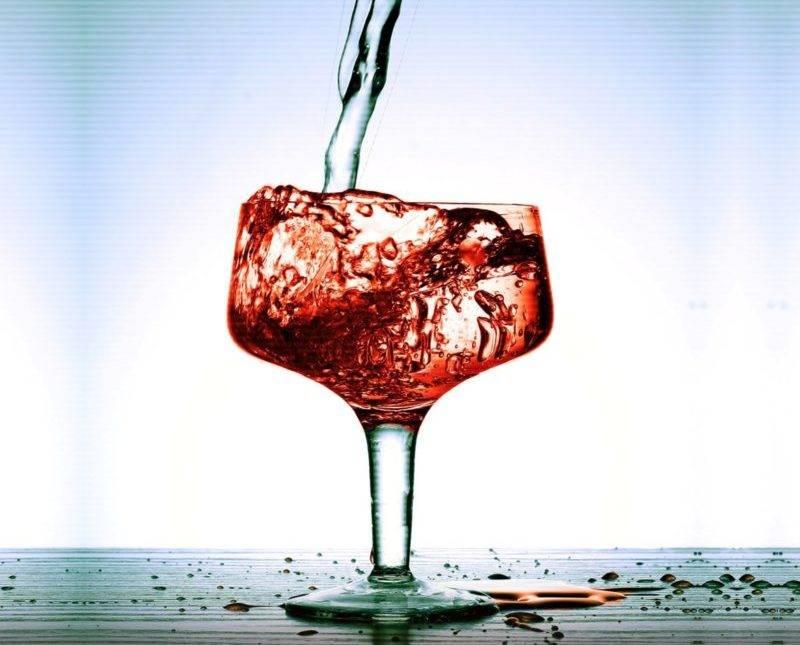 Зачем вино разбавляют водой?