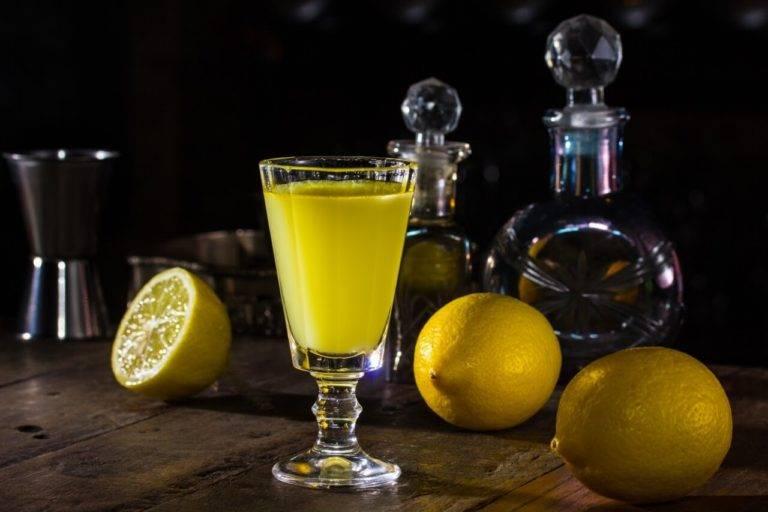 Лимонная настойка — 7 рецептов в домашних условиях