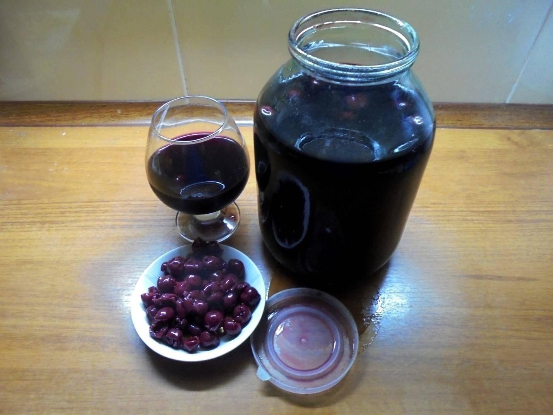 Советы и рецепты приготовления вишневой настойки на самогоне