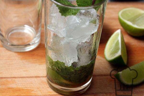 Как приготовить алкогольный мохито с водкой в домашних условиях по пошаговому рецепту. мохито рецепт алкогольный с водкой в домашних условиях