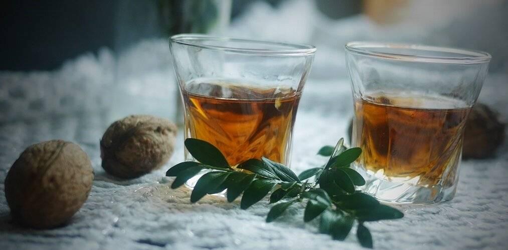 Рецепт настойки самогона на перегородках грецкого ореха