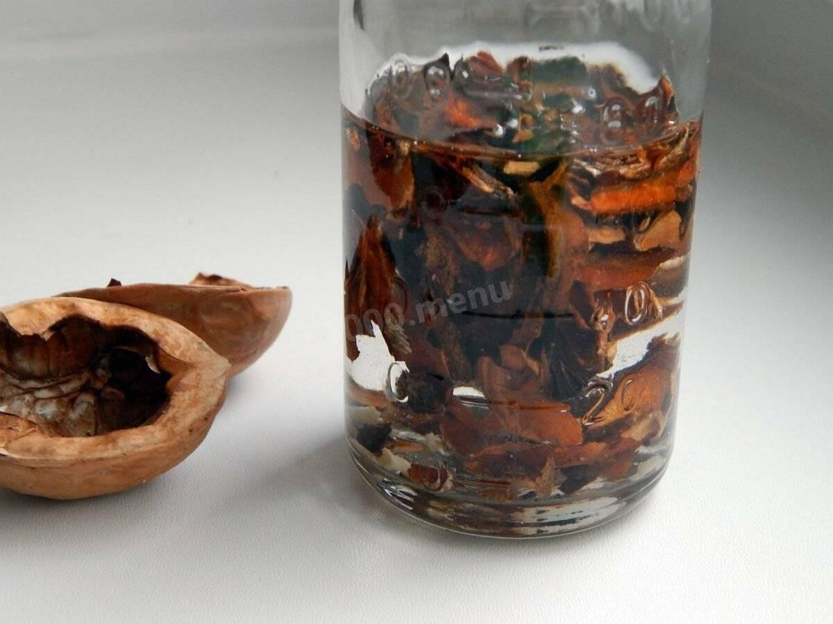 Настойка из ореха грецкого на спирту