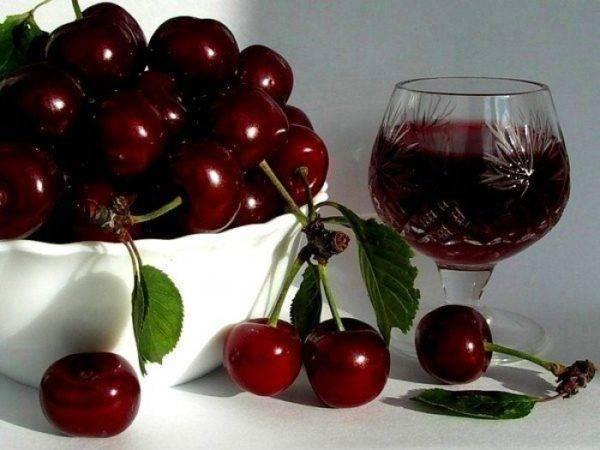 Вино из вишни с косточками: как приготовить в домашних условиях и сделать все правильно, и простой рецепт приготовления и полезные рекомендации