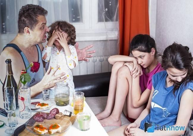 Что сделать, если мама пьет без остановки?