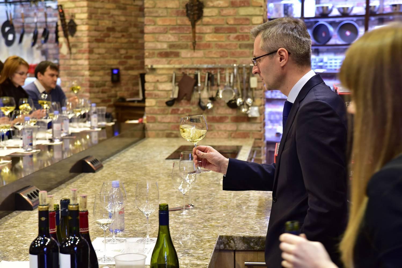 Как научиться дегустировать вино: рекомендации итальянских сомелье – италия по-русски