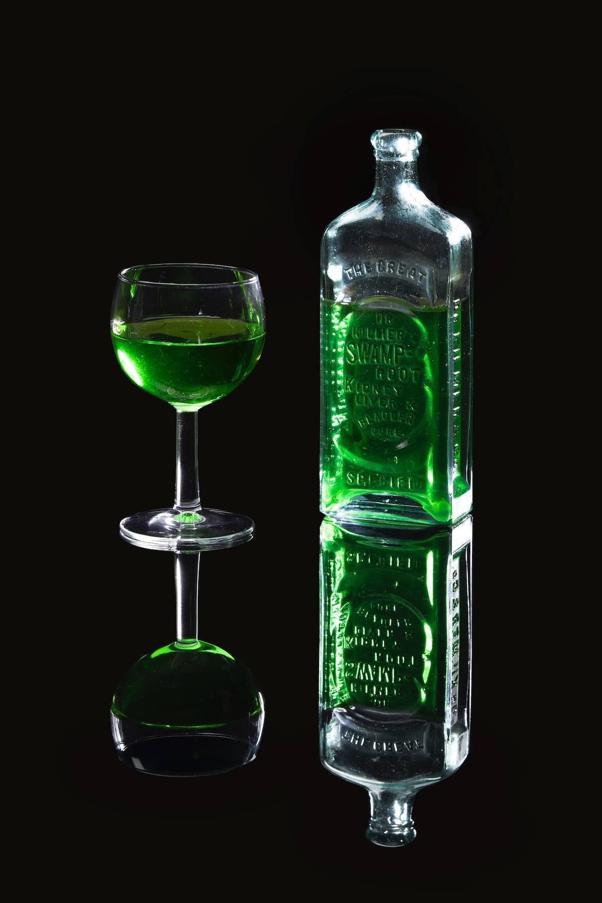 Эликсир настоящих творцов: как правильно пить абсент в домашних условиях