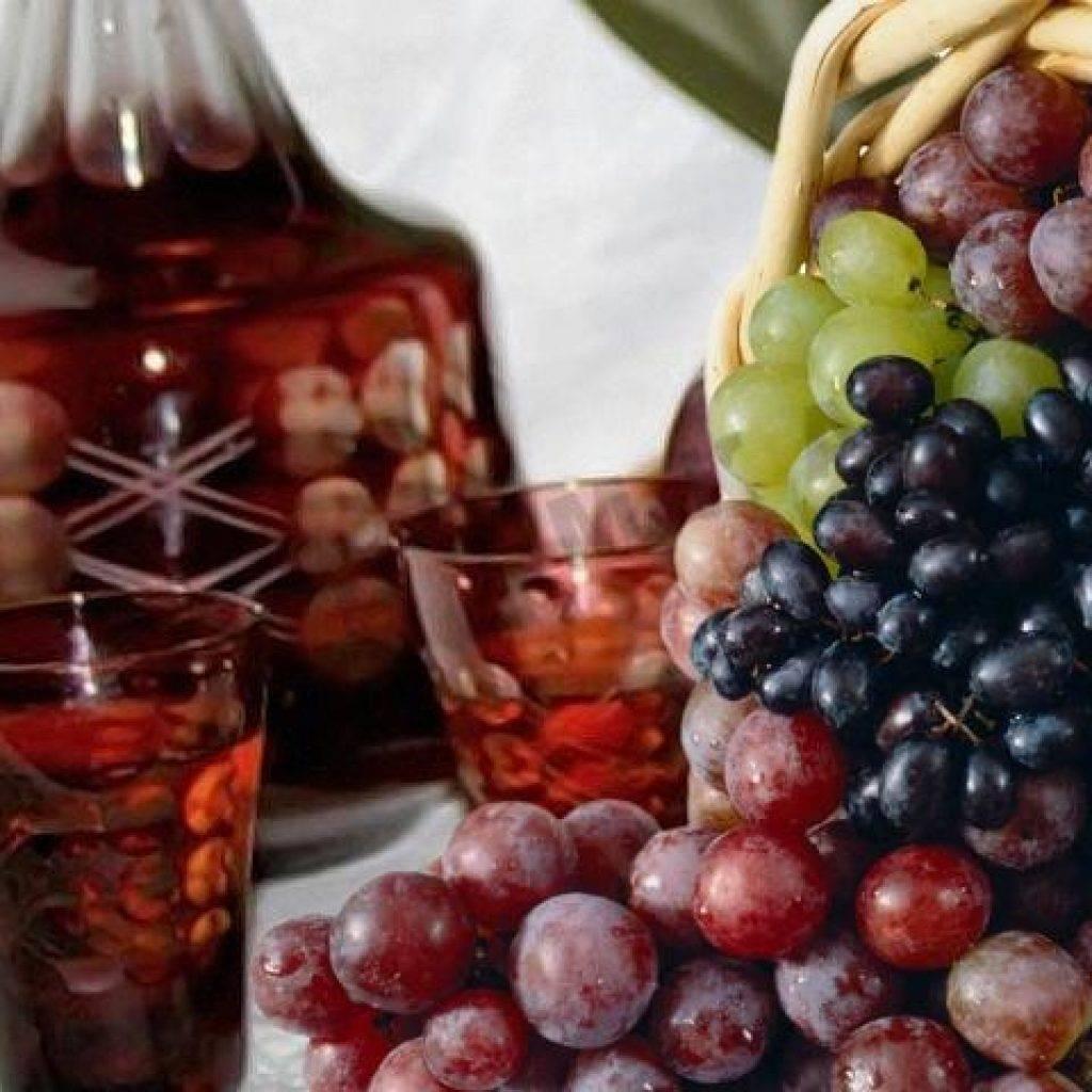 Чача из жмыха винограда: как сделать в домашних условиях из мезги после приготовления вина, что использовать, как правильно поставить и перегнать брагу и рецепт