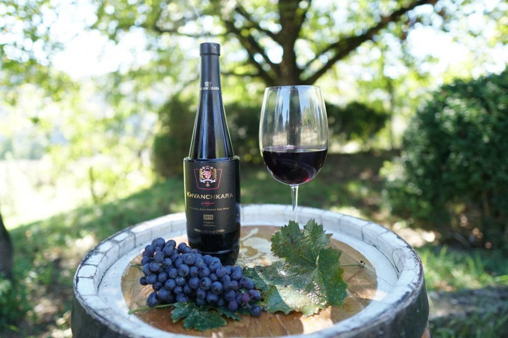 Хванчкара вино: сорта винограда красного полусладкого напитка из грузии, лучшие грузинские производители, как выбрать и правильно употреблять