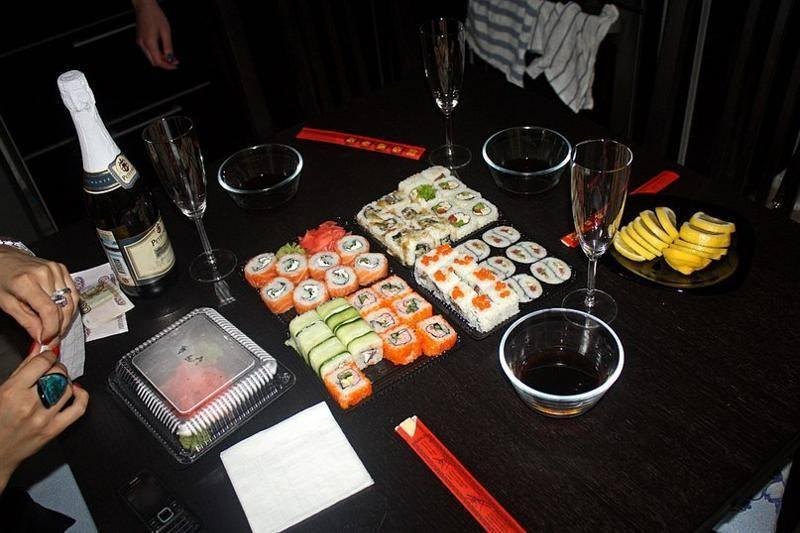 Что пить с суши и роллами? памятка для гурмана : labuda.blog что пить с суши и роллами? памятка для гурмана — «лабуда» информационно-развлекательный интернет журнал