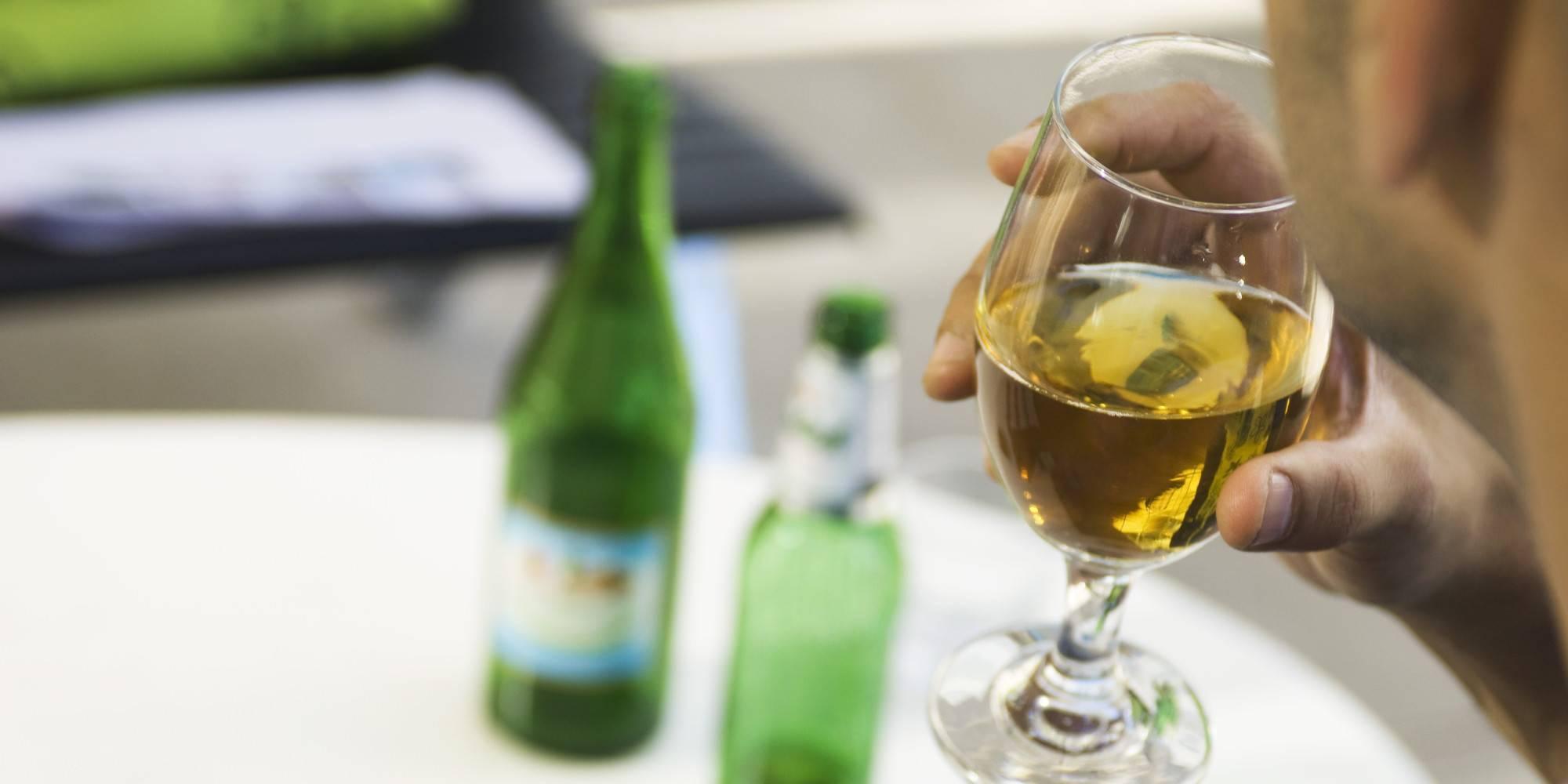 Проверенные народные средства для лечения алкоголизма в домашних условиях