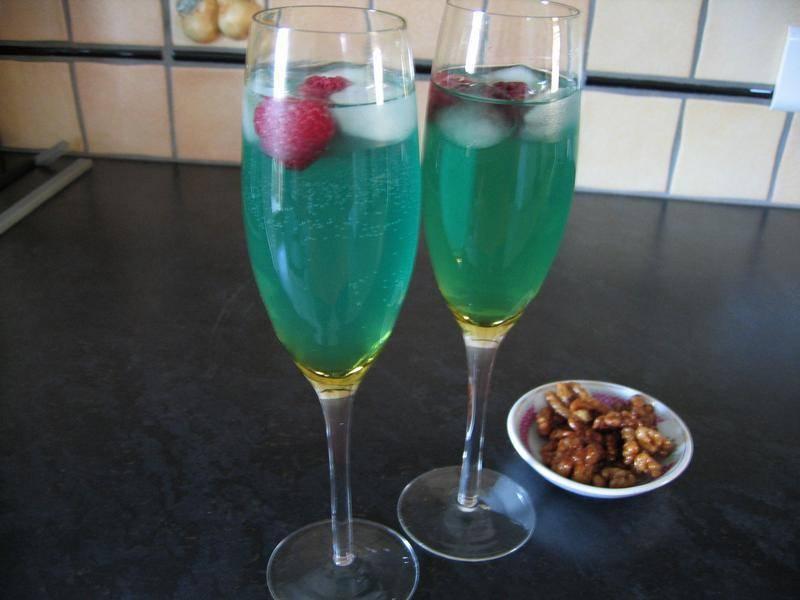 Коктейли с шампанским: игристое разнообразие