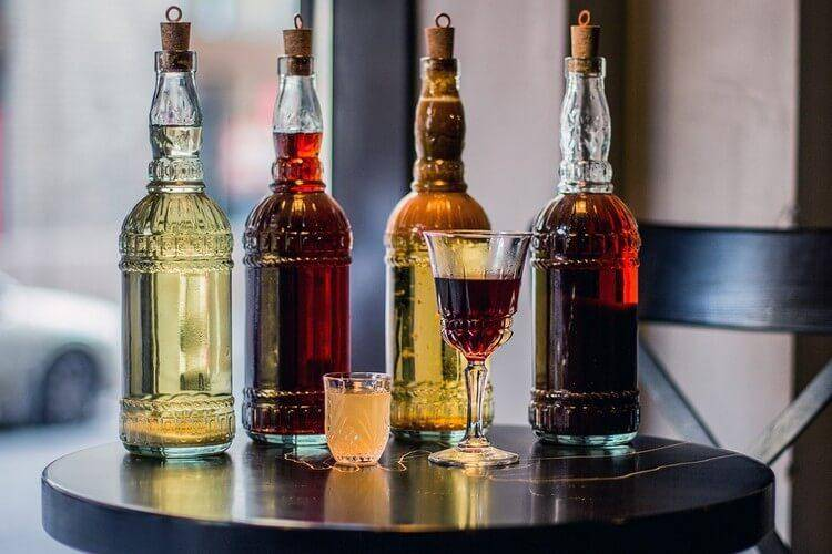 Коктейли на основе виски: 23 лучших рецепта (от суровых до романтичных)