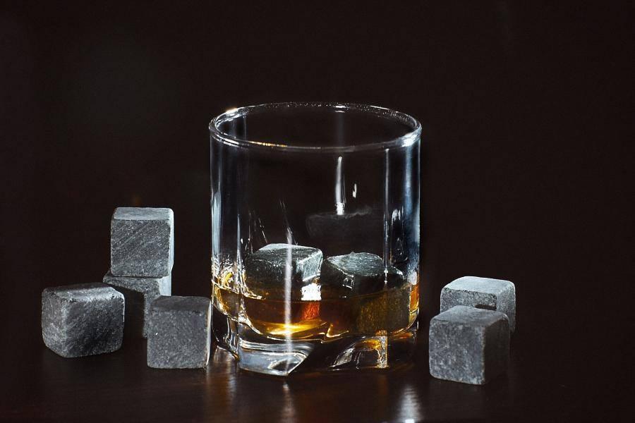 Камни для виски: что это и для чего нужны, отзывы людей о whiskey stones