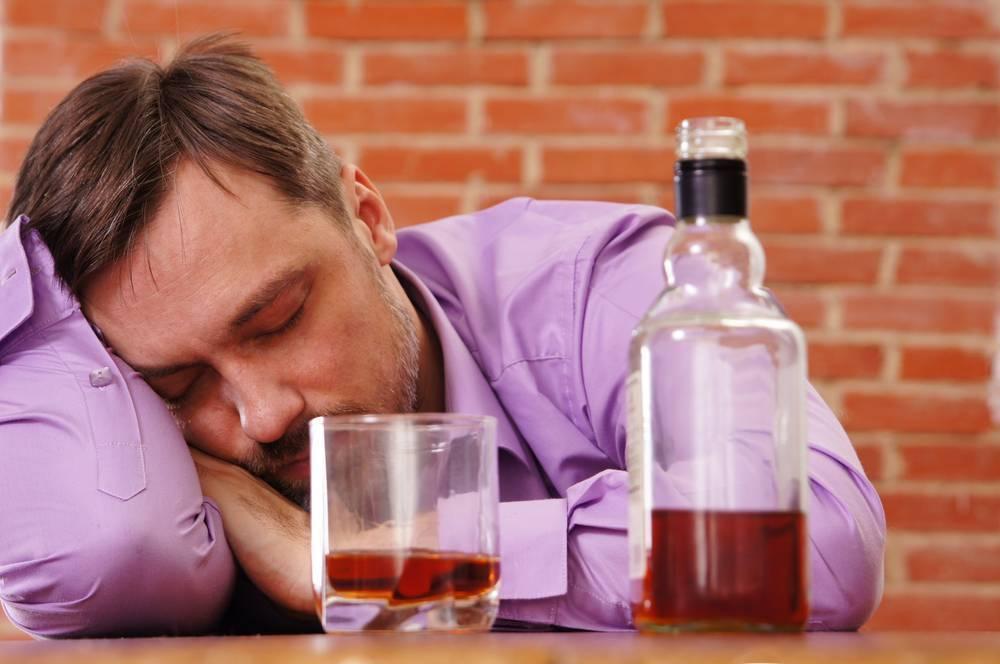 Как заставить мужа бросить пить навсегда: без его согласия, народными средствами