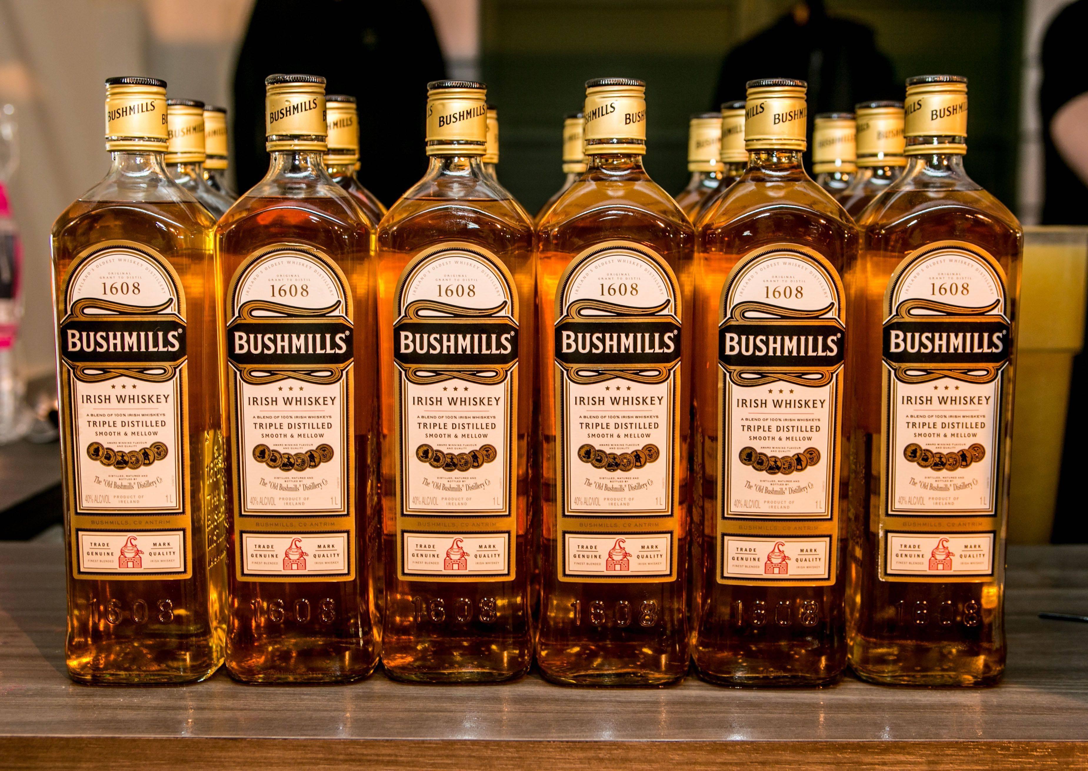 Ирландский виски: рейтинг лучших марок и цены известных брендов, таких как jameson (джемесон), односолодовый paddy, bushmills, а также какие отличия от шотландского?   mosspravki.ru