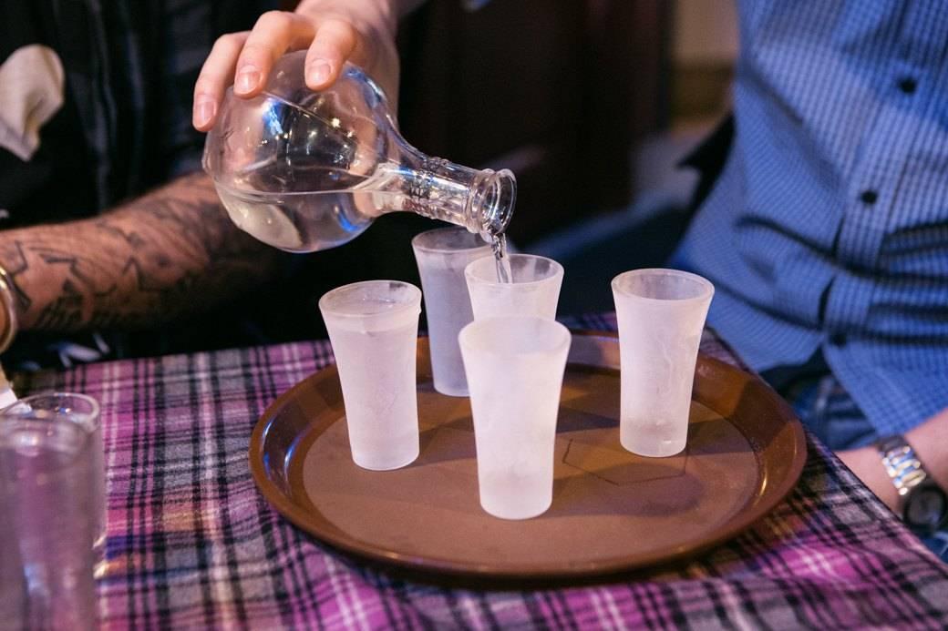 Качество водки: как проверить на подлинность в домашних условиях