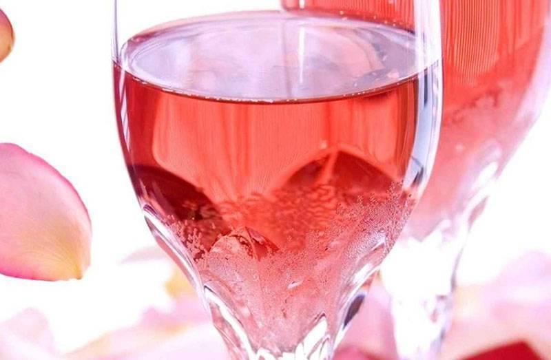 Вино из лепестков роз