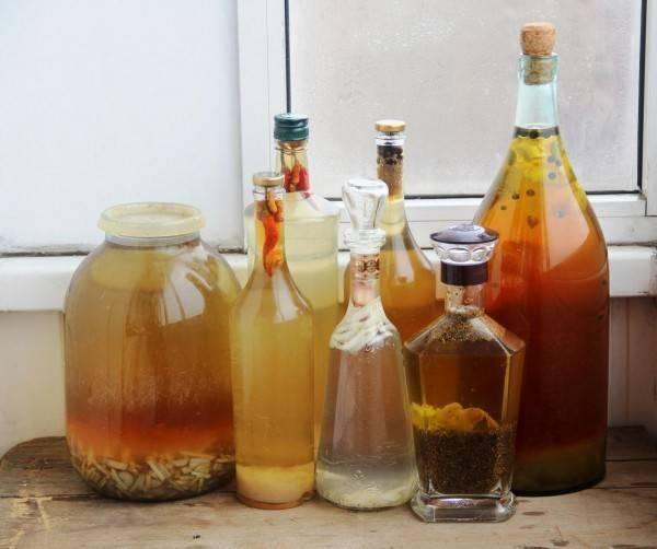 Как приготовить самогон на травах по пошаговым рецептам