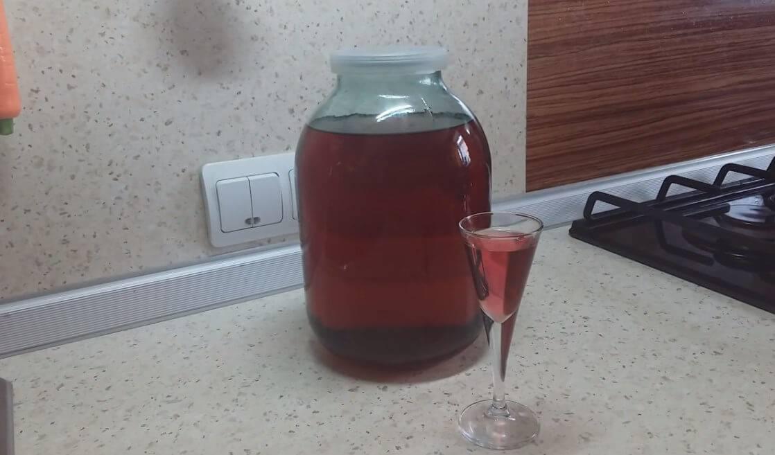 Как приготовить вкусное домашнее вино из красной смородины. пошаговый рецепт домашнего вина из красной смородины с фото и видео | inwomen