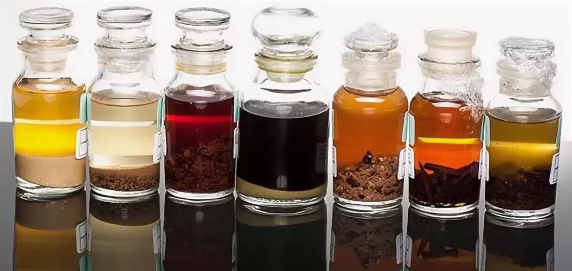 Как улучшить характеристики самогона вкусовыми добавками? что добавить для аромата и запаха, как вкусно настоять