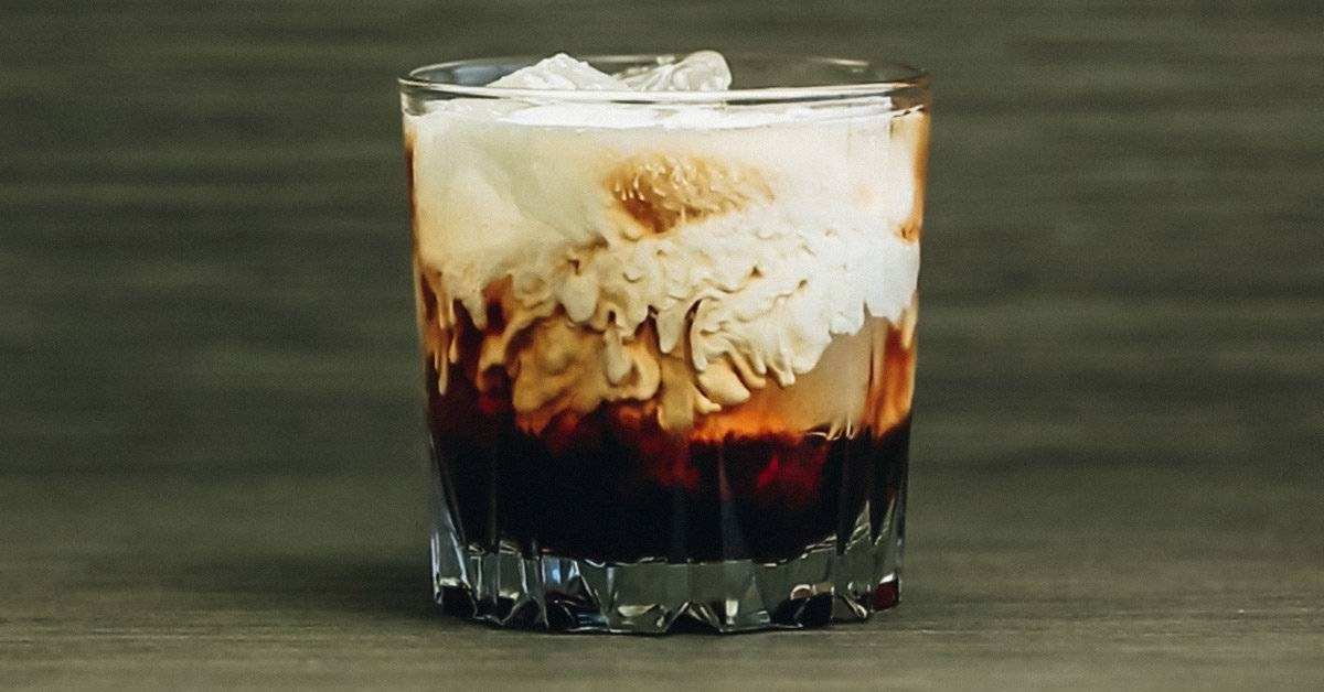 Коктейль белый русский. рецепт классический с молоком, как сделать в домашних условиях, фото