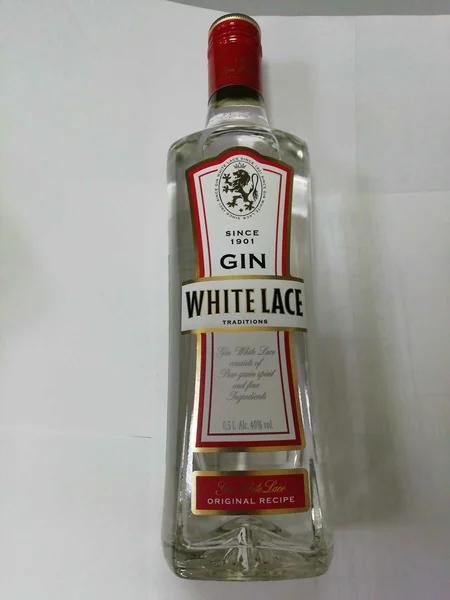 Как правильно пить алкогольный напиток «джин»