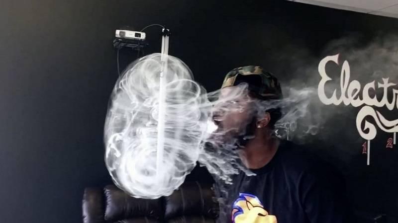 Как делать кольца из дыма табачных изделий и пара электронных сигарет