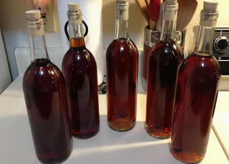 Самогон на черносливе: рецепт классический, на спирту, на водке, с добавками + полезные свойства и вред настойки