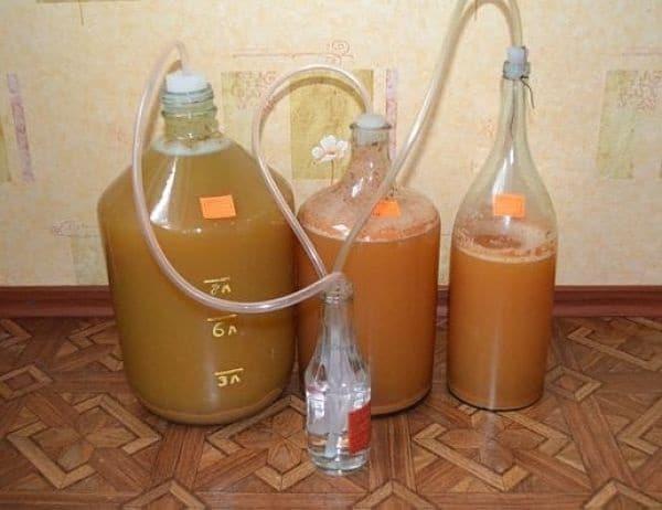 Как приготовить самогон из яблочного сока в домашних условиях