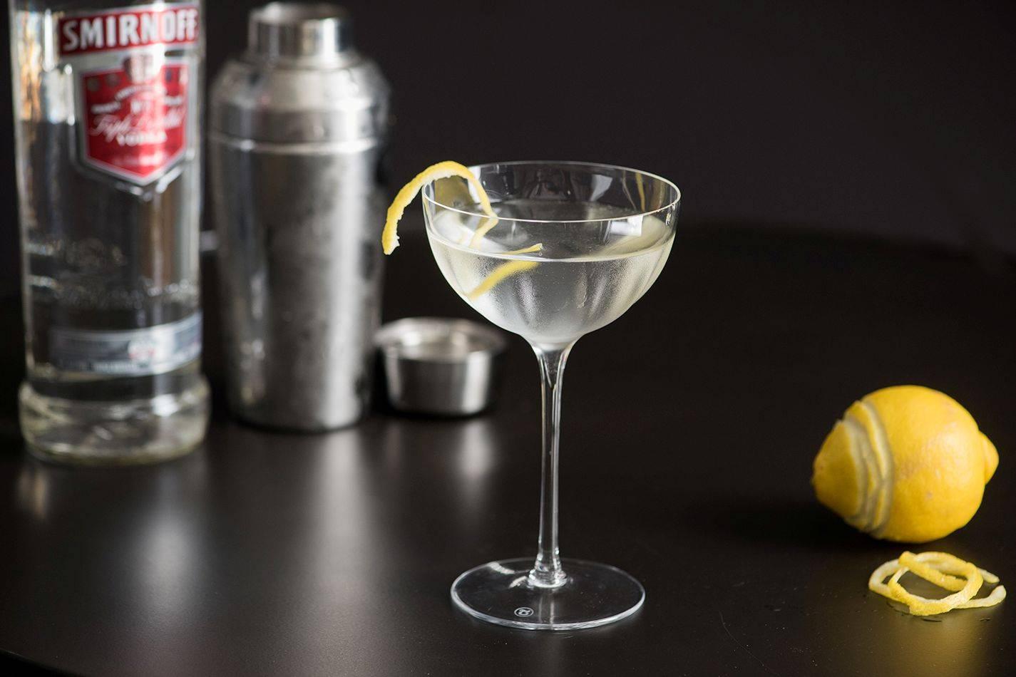 Коктейли с самбукой: простые рецепты для приготовления в домашних условиях, состав с колой, соком, спрайтом
