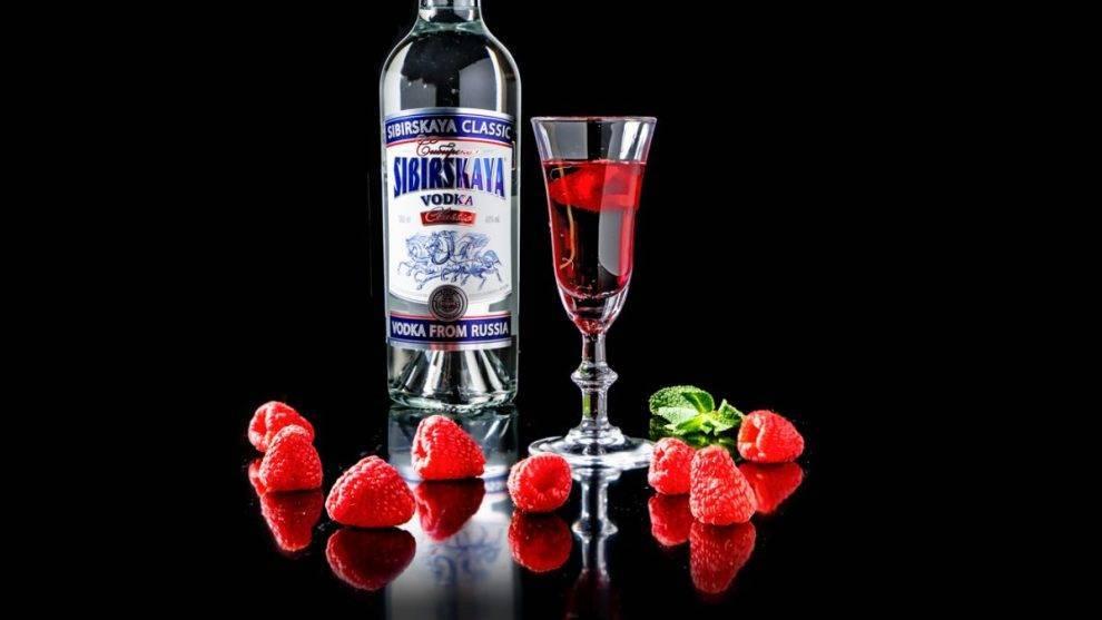 Настойка из ягод малины на спирту – как правильно пить