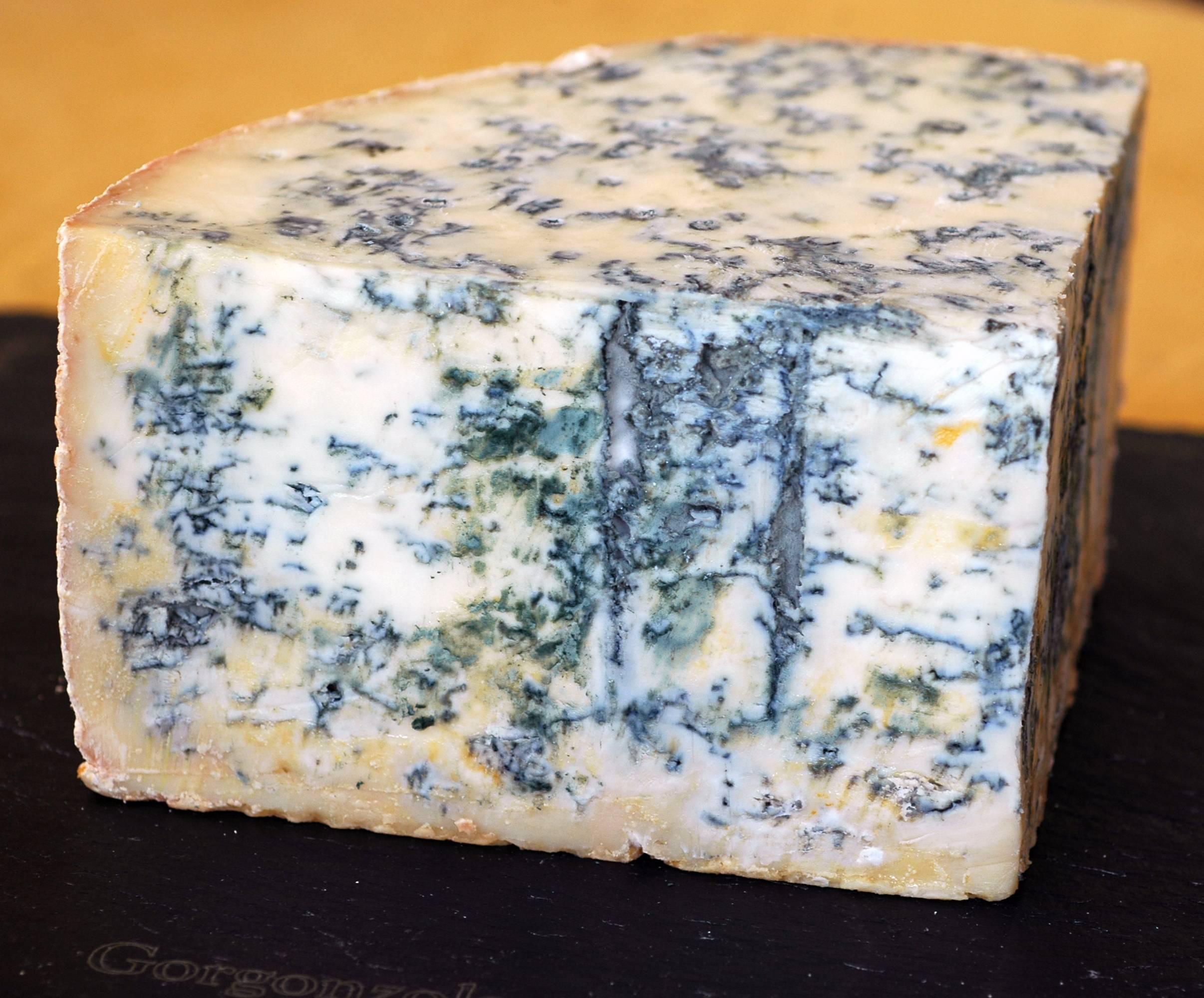 Сочетать невинно: идеальные дуэты сыров и любых напитков, кроме вина