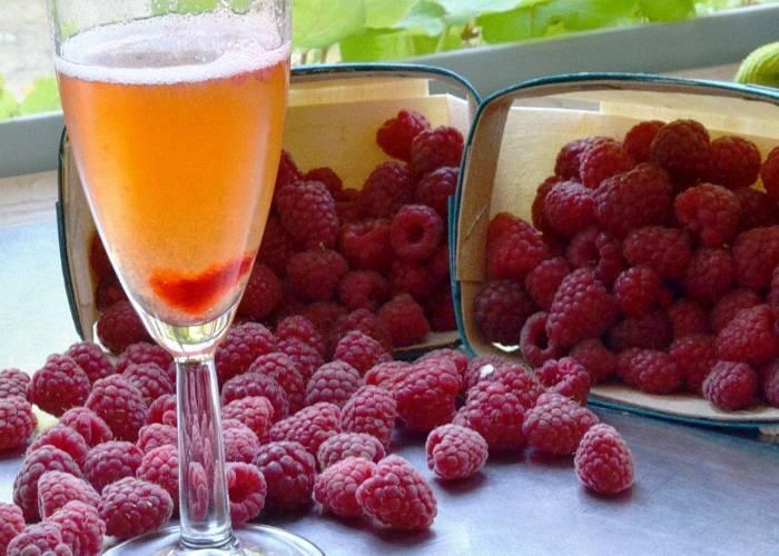 Малиновое вино, приготовление в домашних условиях, разнообразные рецепты