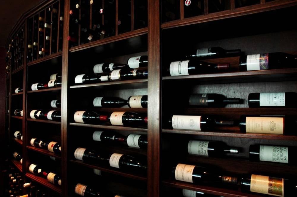 Как хранить вино в домашних условия