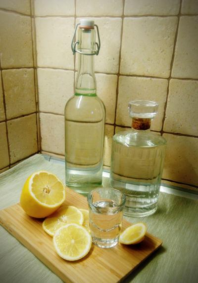 Как настоять самогон на лимоне: рецепты и применение