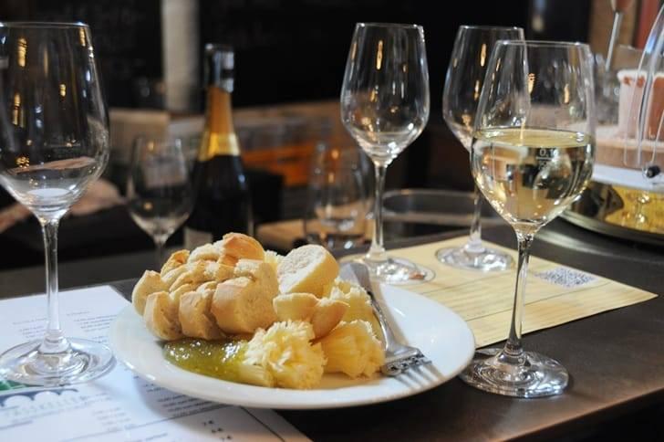 Белое вино рислинг: история немецкого вина, сорта, технология производства и правила употребления
