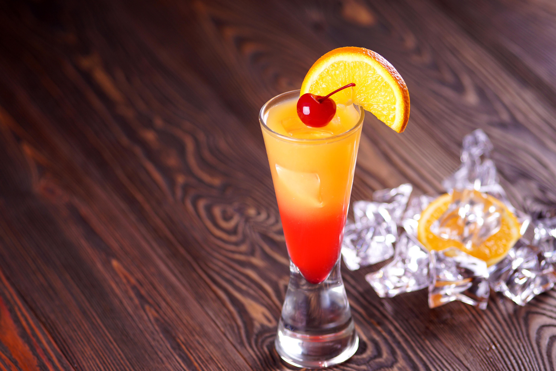 """Восходящее солнце коктейль. как приготовить коктейль """"текила санрайз"""", его различные варианты. приспособления и приборы"""