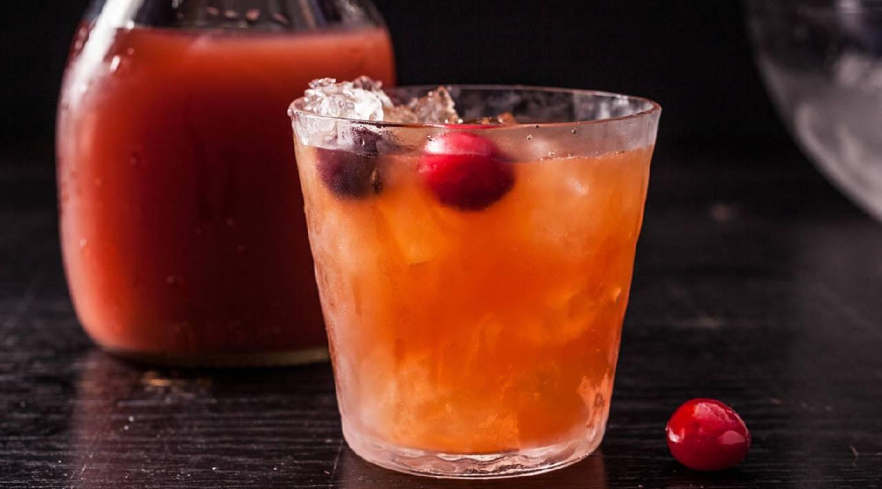Рецепты лучших коктейлей с ромом: с каким соком пьют данный алкоголь? Пропорции и подача спиртного