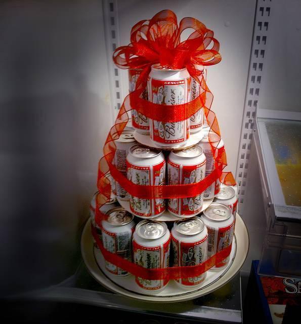 Как сделать торт из пива. как быстро сделать торт из пива своими руками. в данной статье подробно описан мастер-класс по созданию торта из пива для мужского праздника.