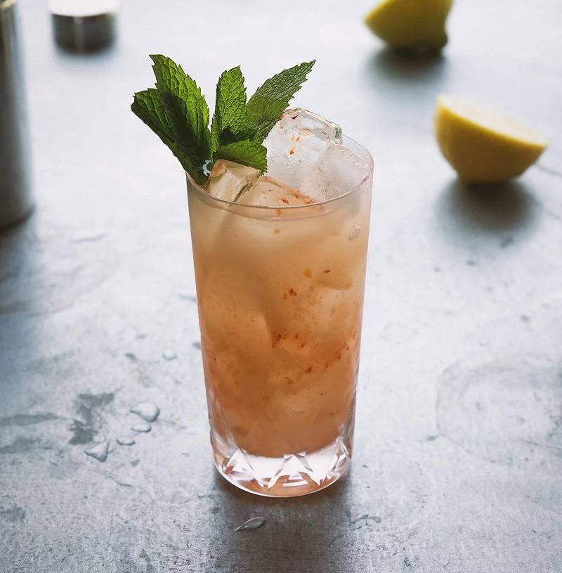 Курочка ряба тоже не против выпить джина… джин-яйцо коктейли.