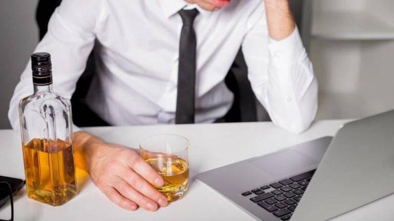 Кодирование от алкоголизма: деньги на ветер или возвращение к нормальной жизни?