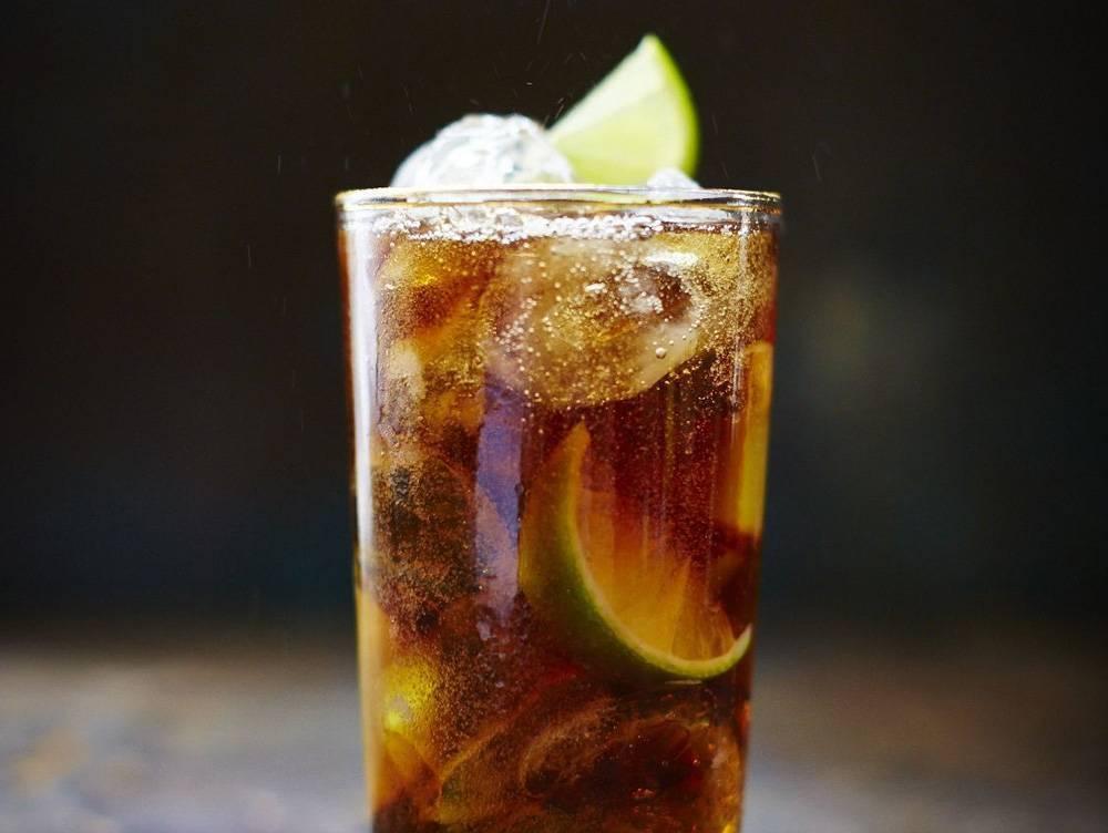 Ром кола — проверенные рецепты приготовления куба либре, лучшие вариации коктейля!