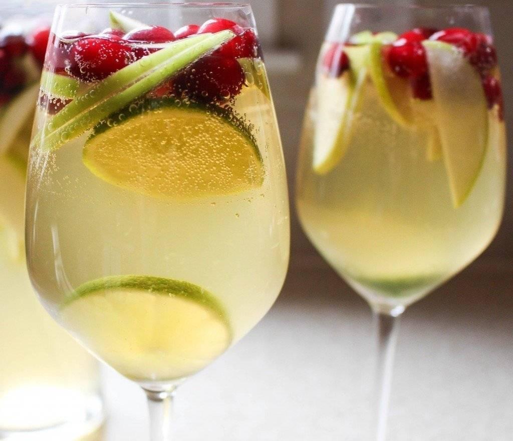 Закуски к вину: что подать к красному, белому, розовому и игристому вину?